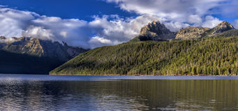 Panorama of Redfish Lake and Braxon Peak. Royalty Free Stock Photos