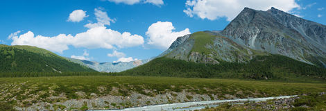 Panorama of the river Akkem. Trekking in the Altai Mountains Royalty Free Stock Photography