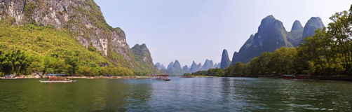 Panorama of the river Li (lijang) between Guilin and Yangshuo Royalty Free Stock Photos