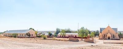 Panorama Roman Catholic Churchs und der Schule bei Witkrans Stockfotos