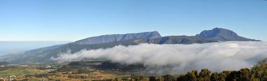 Panorama równina Cafres z śniegu niebieskim niebem i szczytem Obrazy Royalty Free