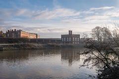 Panorama Rzeczny Thames hampton court pałac w ranku słońcu Zdjęcie Royalty Free