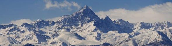 panorama- s sikt för monviso Royaltyfri Bild