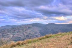 Panorama's van bergtop van Phu Lom Lo, het Nationale Park van Phu Hin Rong Kla, Kok Sathon, Dan Sai District, Loei, Thailand Stock Fotografie