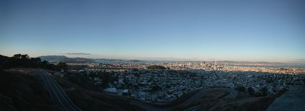 Panorama of San Francisco at autumn sunset from pwin peaks Stock Photo