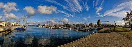 Panorama schronienie w mieście Wismar w Niemcy morzu bałtyckim lub marina obrazy stock