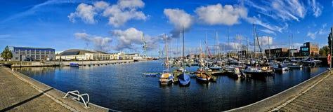 Panorama schronienie w zewnętrznym mieście Wismar w Niemcy morzu bałtyckim lub marina zdjęcie royalty free