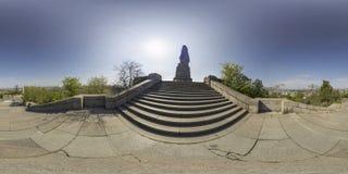 Panorama sferico della statua di Alyosha alla collina di Bunardzhika in Plov Fotografia Stock