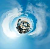 Panorama sferico 360 180 gradi di sciamano del capo sull'isola di Fotografie Stock
