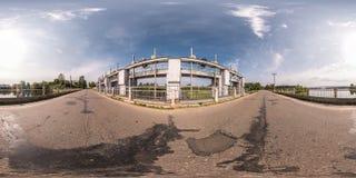 Panorama sferico senza cuciture completo 360 gradi di vista di angolo vicino alla diga della centrale idroelettrica in equidistan fotografia stock libera da diritti