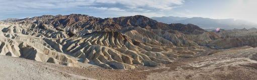 Panorama- sikt av dyner i Death Valley royaltyfri foto