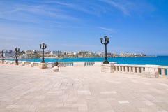 Panorama- sikt av Otranto. Puglia. Italien. royaltyfria foton