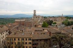 Panorama- sikt av staden av Perugia Arkivfoto