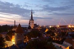 Panorama- sikt av Tallinn den gammala stadsmitten Arkivbild