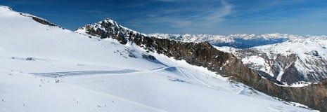 panorama- sikt för glaciärhintertux Arkivfoton