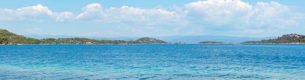 Panorama Sithonia, Grecia della costa di mare di estate Immagine Stock