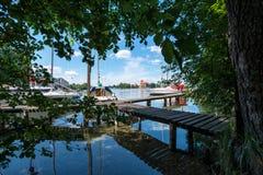Panorama- sjö med fartyget Royaltyfri Bild