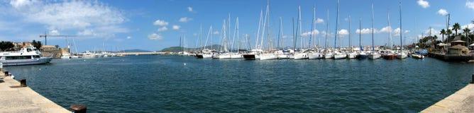 Panorama- skott av den Alghero's hamnen Royaltyfri Foto
