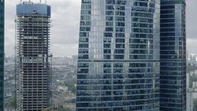 Panorama- skott för realtidsMoskvastad från ett av en skyskrapa som placeras i internationell affärsmitt för Moskva lager videofilmer