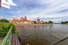 Panorama- skott på byggnaden av ön av Tumsk i Wroclaw Arkivbilder