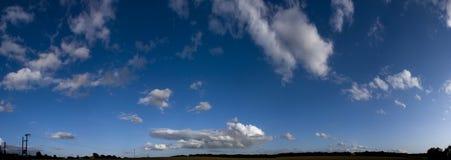panorama- sky Arkivfoton