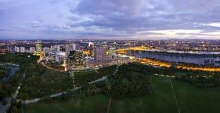 Panorama - Skyline der Donau Stadt Wien Lizenzfreie Stockfotos