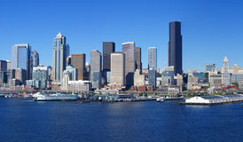 Panorama - skyline do beira-rio de Seattle, Fotos de Stock Royalty Free