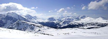 panorama- snöig för berg ii Royaltyfri Bild