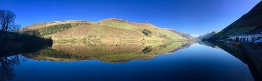 Panorama soleggiato Galles del lago Immagini Stock Libere da Diritti