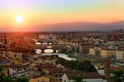 Panorama- solnedgångsikt till Florence, Tuscany, Italien Arkivfoto