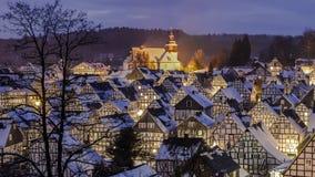 Panorama sonhadoramente de uma vila do inverno Fotos de Stock Royalty Free