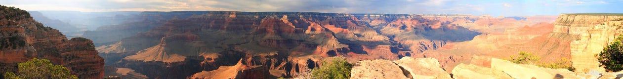 Panorama am Sonnenuntergang auf dem Grand Canyon Lizenzfreie Stockbilder