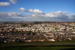 Panorama stupefacente con case tradizionali nel Regno Unito, fotografie stock libere da diritti