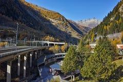 Panorama stupefacente delle alpi e del tunnel sotto la montagna Fotografia Stock Libera da Diritti