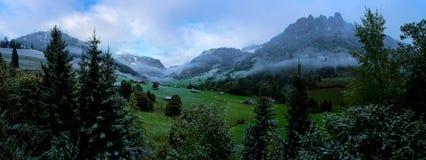 Panorama suíço das montanhas Imagem de Stock Royalty Free