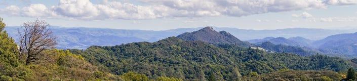 Panorama in Sugarloaf Ridge State Park, la contea di Sonoma, California fotografie stock