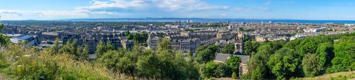 Panorama sul punto di Mountain View sopra la città di Edimburgo Fotografia Stock Libera da Diritti