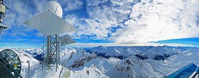 Panorama supérieur Tyrol de montagne Photographie stock libre de droits