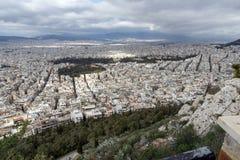 Panorama surpreendente da cidade de Atenas do monte de Lycabettus, Grécia Foto de Stock