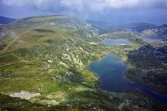 Panorama surpreendente do gêmeo, do Trefoil, dos peixes e dos lagos superiores, os sete lagos Rila Imagens de Stock