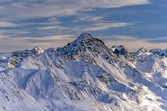 Panorama svizzero delle alpi della montagna di Parsenn nell'inverno Immagini Stock