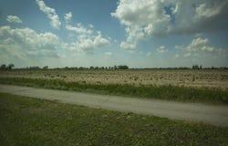 Panorama típico do campo de Itália do norte fotos de stock