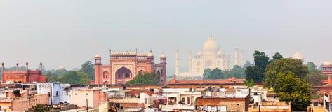 Panorama Taj Mahal widok nad dachami Agra Zdjęcia Stock