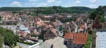 Panorama- tak i Sighisoara, Rumänien Arkivfoto