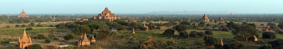 Panorama: Tempel in Bagan, Myanmar. Lizenzfreies Stockbild