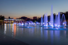 Panorama étonnant de coucher du soleil des fontaines de chant dans la ville de Plovdiv Photos stock