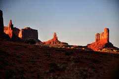 Panorama tribal de stationnement d'Indien de Navajo de vallée de monument Images stock