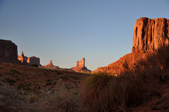 Panorama tribal de stationnement d'Indien de Navajo de vallée de monument Photographie stock