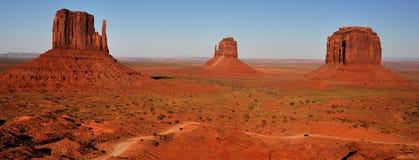 Panorama tribale della sosta dell'indiano di Navajo della valle del monumento Fotografie Stock