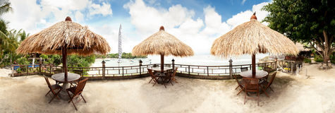 Panorama tropical da praia Fotografia de Stock Royalty Free